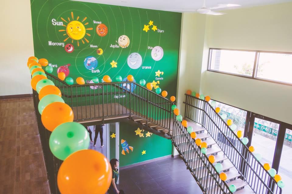 Cầu thang lên tầng 2